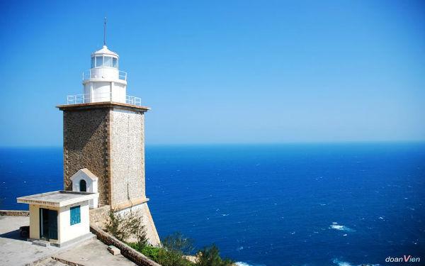 Tham quan hải đăng Mũi Dinh: Ngẩn ngơ trước vẻ đẹp kiến trúc Pháp