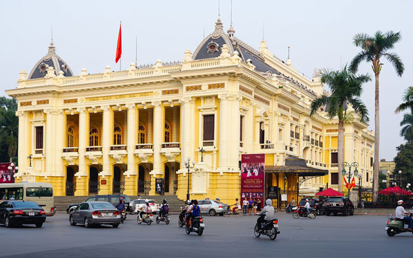 Tham quan nhà hát Lớn Hà Nội – Công trình kiến trúc ấn tượng