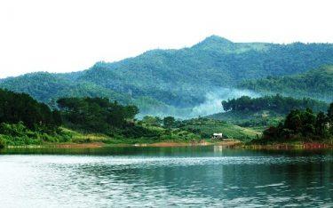 Phượt hồ Khuôn Thần để đắm mình trong cảnh sắc thiên nhiên xanh