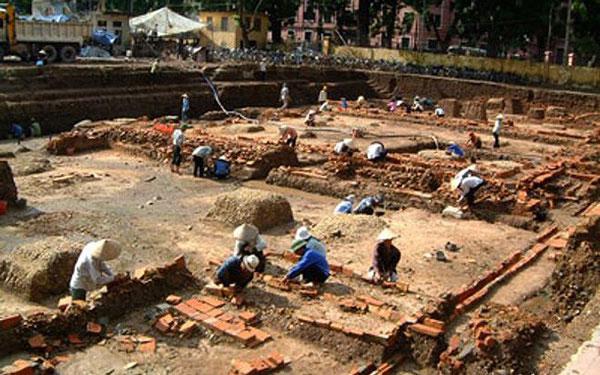 Khu khảo cổ ở Hoàng thành
