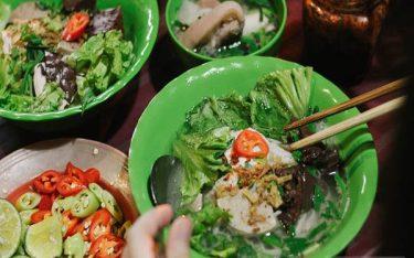 Ấm lòng với hủ tiếu gõ – Món ăn bình dị về đêm của người Sài Gòn