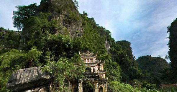Những ngọn núi, ngôi chùa tại Kẽm Trống