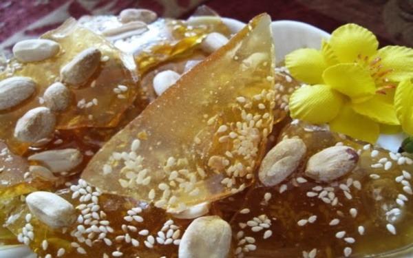 Lạ lùng với món kẹo gương – Thức kẹo trong suốt xứ Quảng