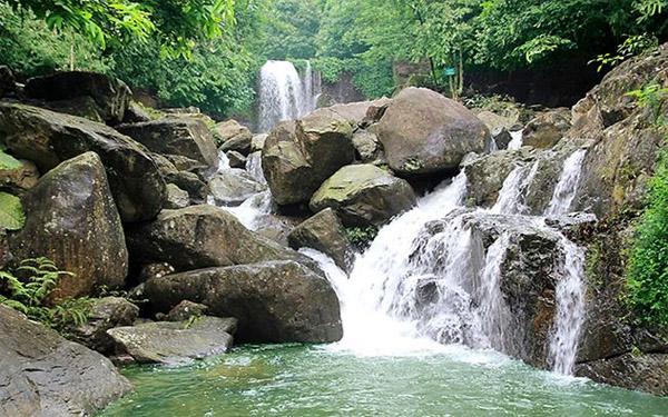 Vui chơi ở khu du lịch sinh thái Khe Lim tận hưởng mùa hè sảng khoái