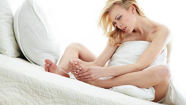Không được kích thích đủ khi ân ái cũng khiến phụ nữ đau rát khi quan hệ