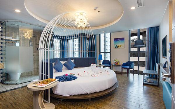 Phòng ngủ cho kỳ trăng mật của khách sạn Aaron Hotel 3 sao
