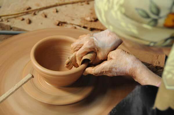 Những công đoạn làm gốm tài hoa khéo léo của nghệ nhân