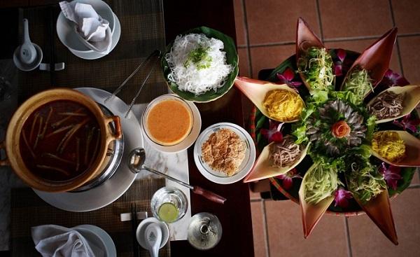 Lẩu thả là món đặc sản của vùng biển Phan Thiết