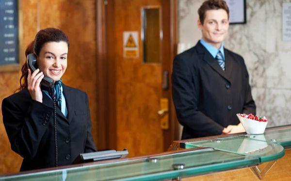 Muốn làm lễ tân khách sạn học ngành gì? Nên thi khối nào?