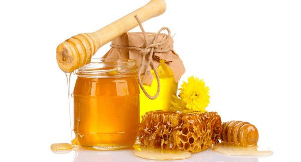 Mật ong có nhiều tác dụng đối với sức khỏe và làm đẹp