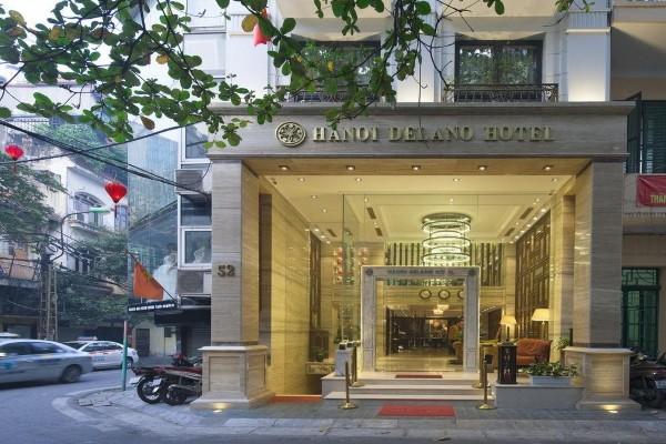 Kính cường lực giúp mặt tiền khách sạn như được nới rộng ra