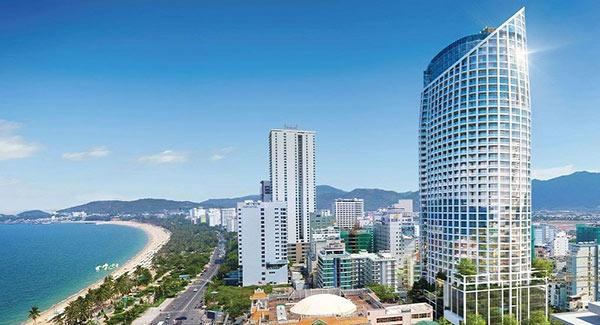 Thành phố biển Nha Trang - nơi tập trung rất nhiều khách sạn, resort cao cấp