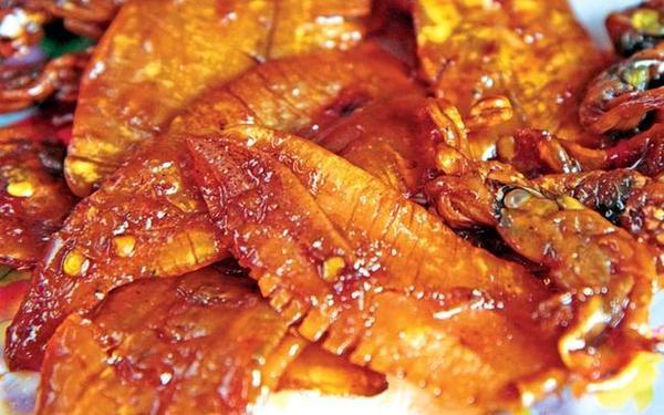 Mực rim me Nha Trang là đặc sản ăn chơi nhưng ngon tuyệt