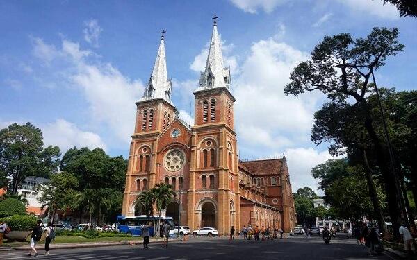Nhà thờ Đức Bà – Di sản kiến trúc nằm giữa lòng Sài Gòn