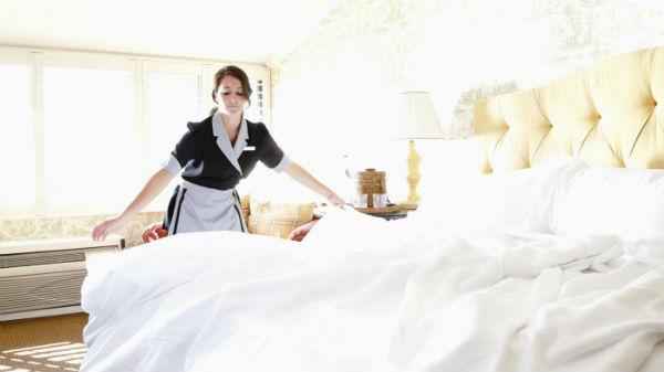 Nhân viên buồng phòng là những người giúp phòng ốc luôn đạt chuẩn khách sạn