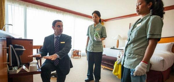 Nhân viên buồng phòng khách sạn 5 sao cần được đào tạo bài bản về nghiệp vụ