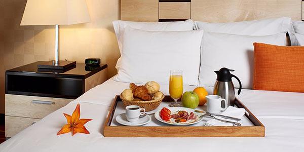 Nhân viên buồng khách sạn là người đáp ứng mọi nhu cầu của khách, giúp họ thoải mái nhất khi lưu trú tại khách sạn