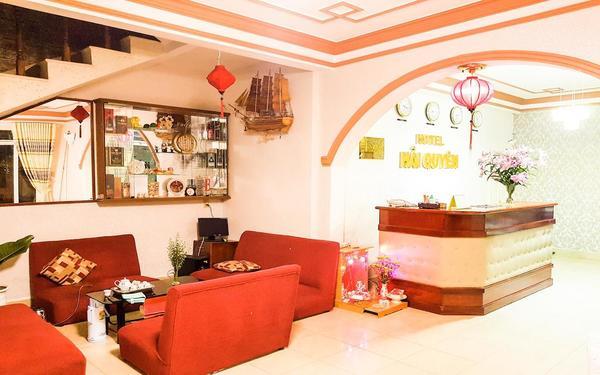 Thiết kế sảnh của khách sạn Hải Quyên hài hòa sang trọng