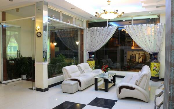 Khu vực ngồi chờ dành cho du khách của khách sạn Anna Sương