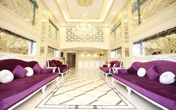 Sảnh khách sạn 2 sao Kim Hòa nổi bật nét sang trọng, quý phái