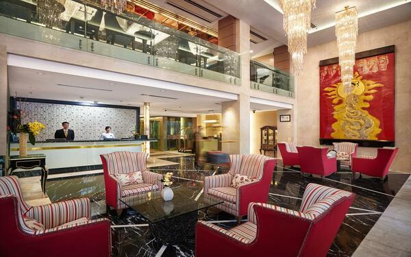 Các tông màu hài hòa tạo nên lối kiến trúc đẹp của khách sạn Silk Path