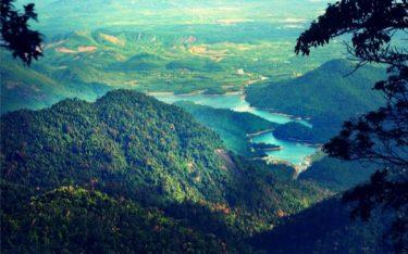 Chiêm ngưỡng núi Bạch Mã – Vẻ đẹp tựa chốn thần tiên