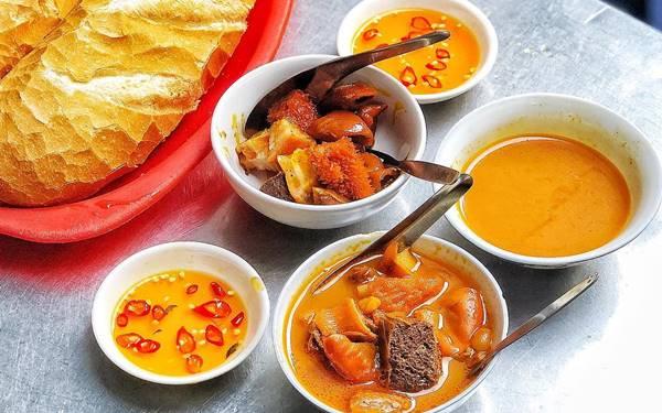 Phá lấu Sài Gòn: Món ăn đậm chất đường phố, đã ăn là nghiền
