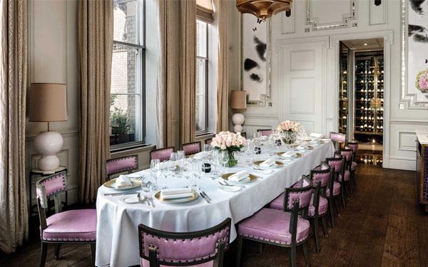Phòng ăn đầy đủ tiện nghi và mang đến không gian ẩm thực sang trọng.