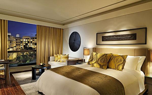 Phòng ngủ khách sạn phong cách hiện đại