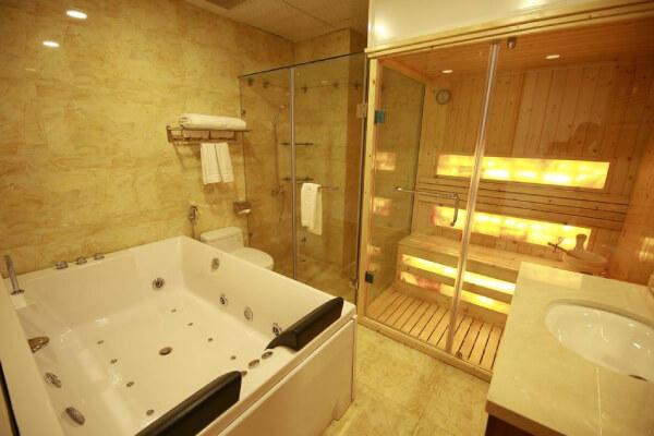 Nội thất phòng tắm khách sạn 2 sao