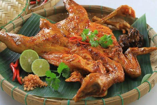 Gà nướng Măng Đen - món ăn đã ghi tên vào kỉ lục Guiness Việt Nam
