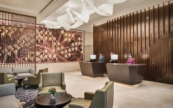 Thiết kế sảnh với những đường nét tinh tế của khách sạn Oakwood Residence