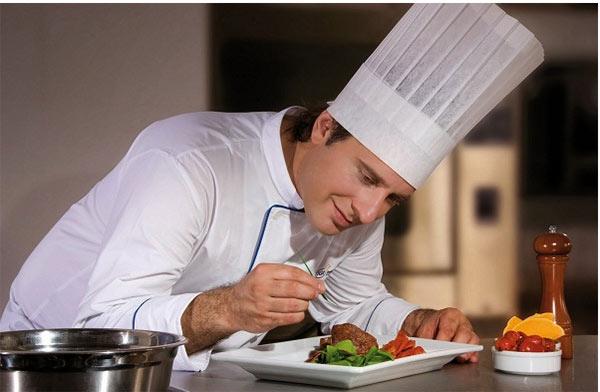 Người đầu bếp chính là nhân tố vô cùng quan trọng trong khách sạn nhà hàng