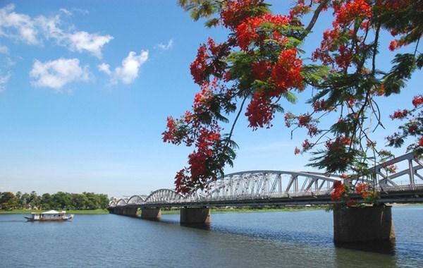 Dòng sông với nét đẹp hiền hòa như những con người xứ Huế