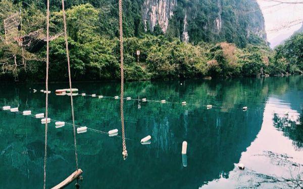 Suối Nước Moọc có gì đặc biệt mà hấp dẫn du khách đến vậy?