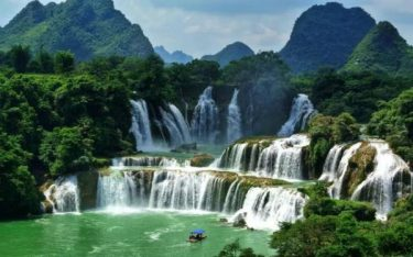 Thác chín tầng Gia Lai với vẻ đẹp hoang sơ hùng vĩ
