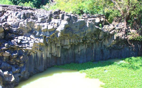 Những khối đá có hình dạng kì thú