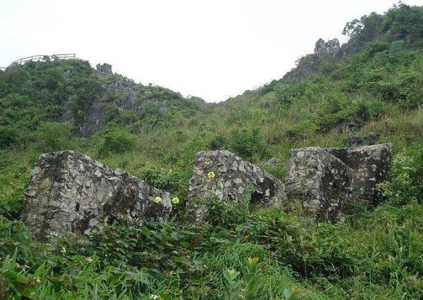 Thành nhà Mạc tọa lạc ở phường Tam Thanh, Thành phố Lạng Sơn