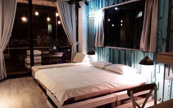 Phòng ngủ trang trí theo hướng Vintage của nhà nghỉ The Laban
