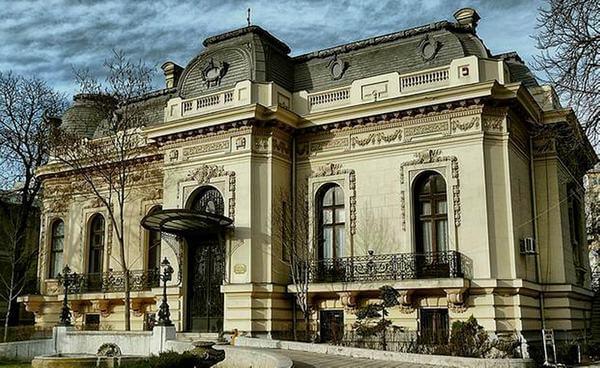 Kiến trúc cổ điển Pháp với thiết kế tinh tế