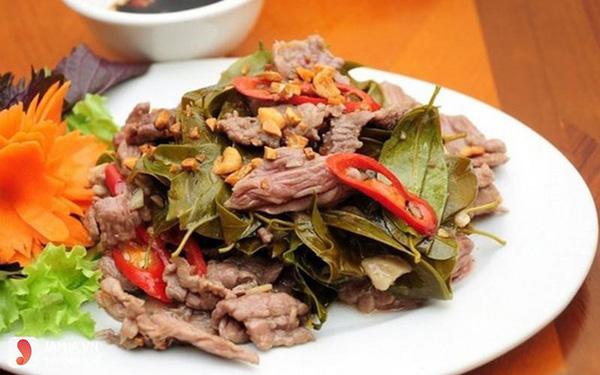 Thịt trâu lá lồm: Khi hương vị Tây Bắc gói gọn trong một cái tên