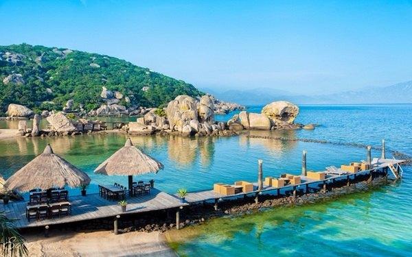 Ngây ngất trước vẻ đẹp hữu tình của đảo Bình Ba
