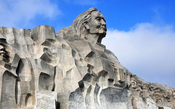 Tượng đài mẹ Thứ: Tượng đài mẹ Việt Nam anh hùng lớn nhất Việt Nam
