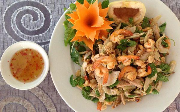Món ăn phổ biến có thể tìm được dễ dàng tại Huế