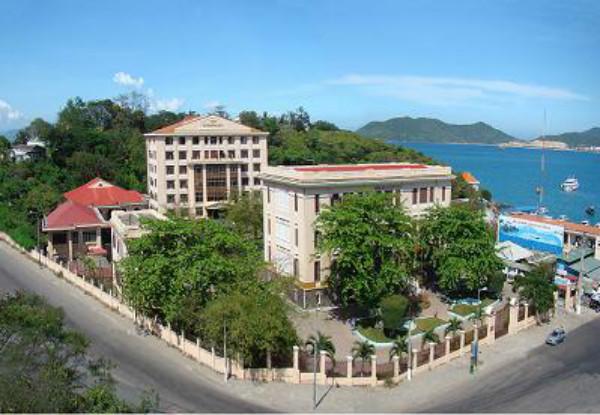Viện hải dương học Nha Trang nhìn từ xa