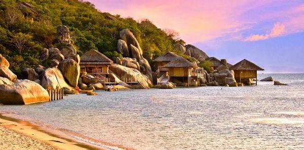 Vịnh Ninh Vân với vẻ đẹp hoang sơ và yên bình