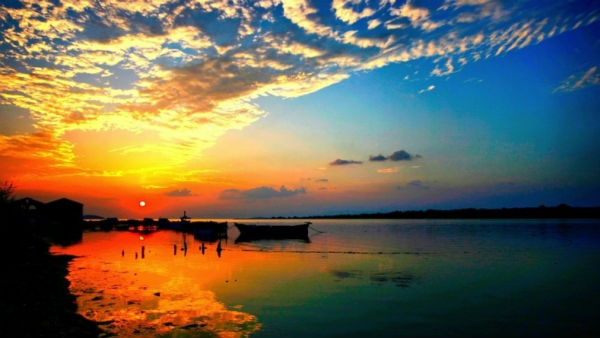 Hoàng hôn buồn man mác trên Vịnh Ninh Vân