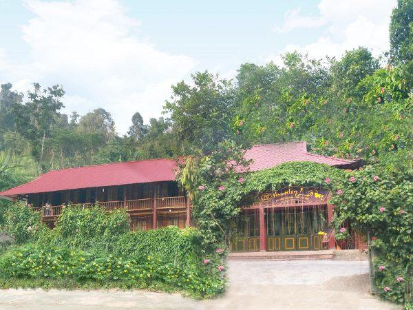 Homestay Xuân Lâm với quang cảnh bên ngoài