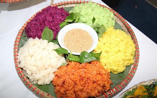 Xôi bảy màu: Mĩ vị 7 sắc cầu vồng độc đáo của ẩm thực Tây Bắc