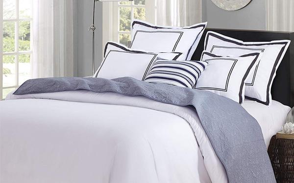 Cách trải ga giường phủ khách sạn đúng chuẩn và chi tiết nhất